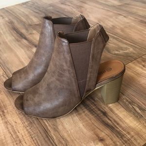 MAURICES Dressy Heel Sandals